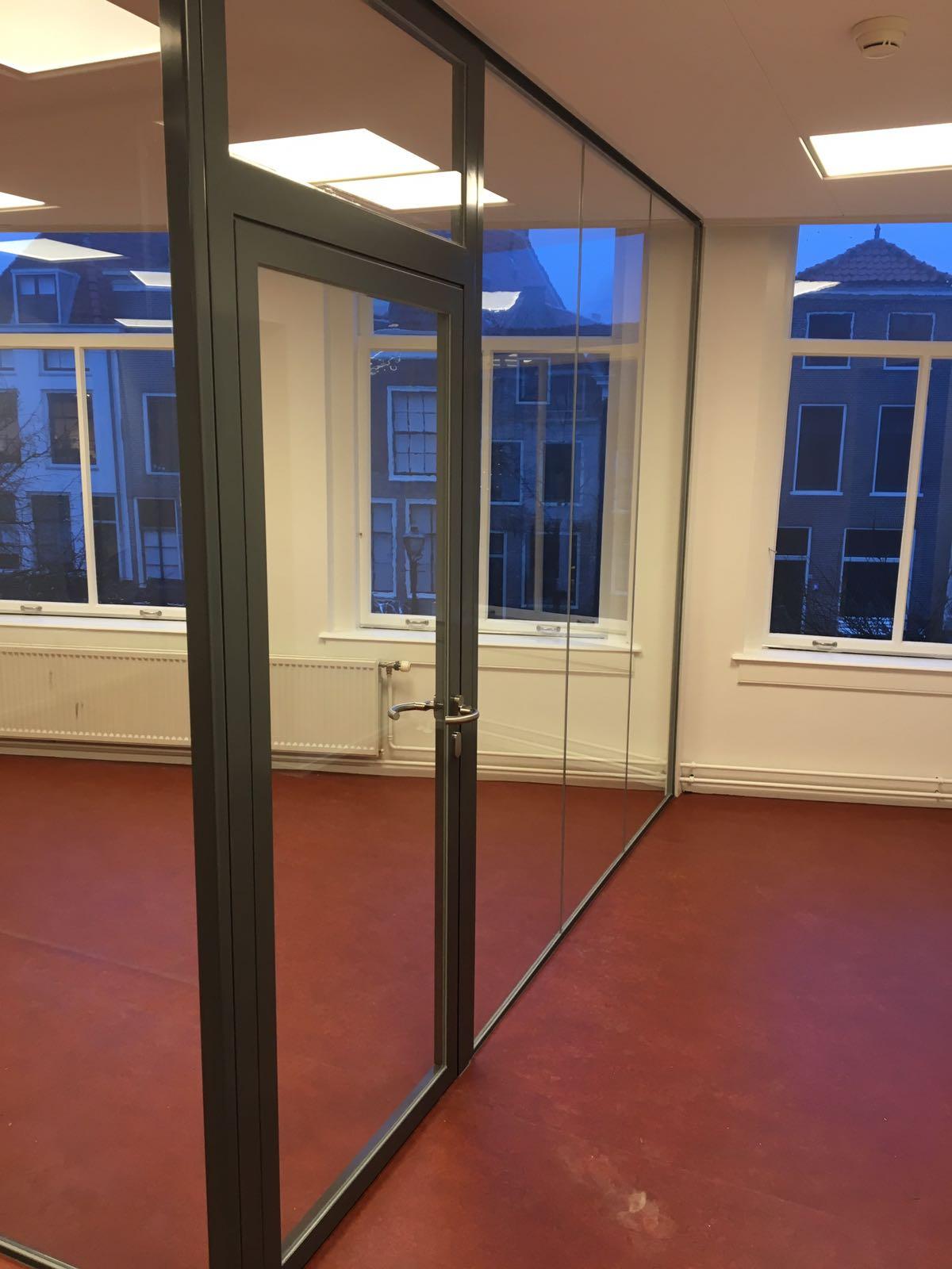 Binnenkozijnen En Glaswanden