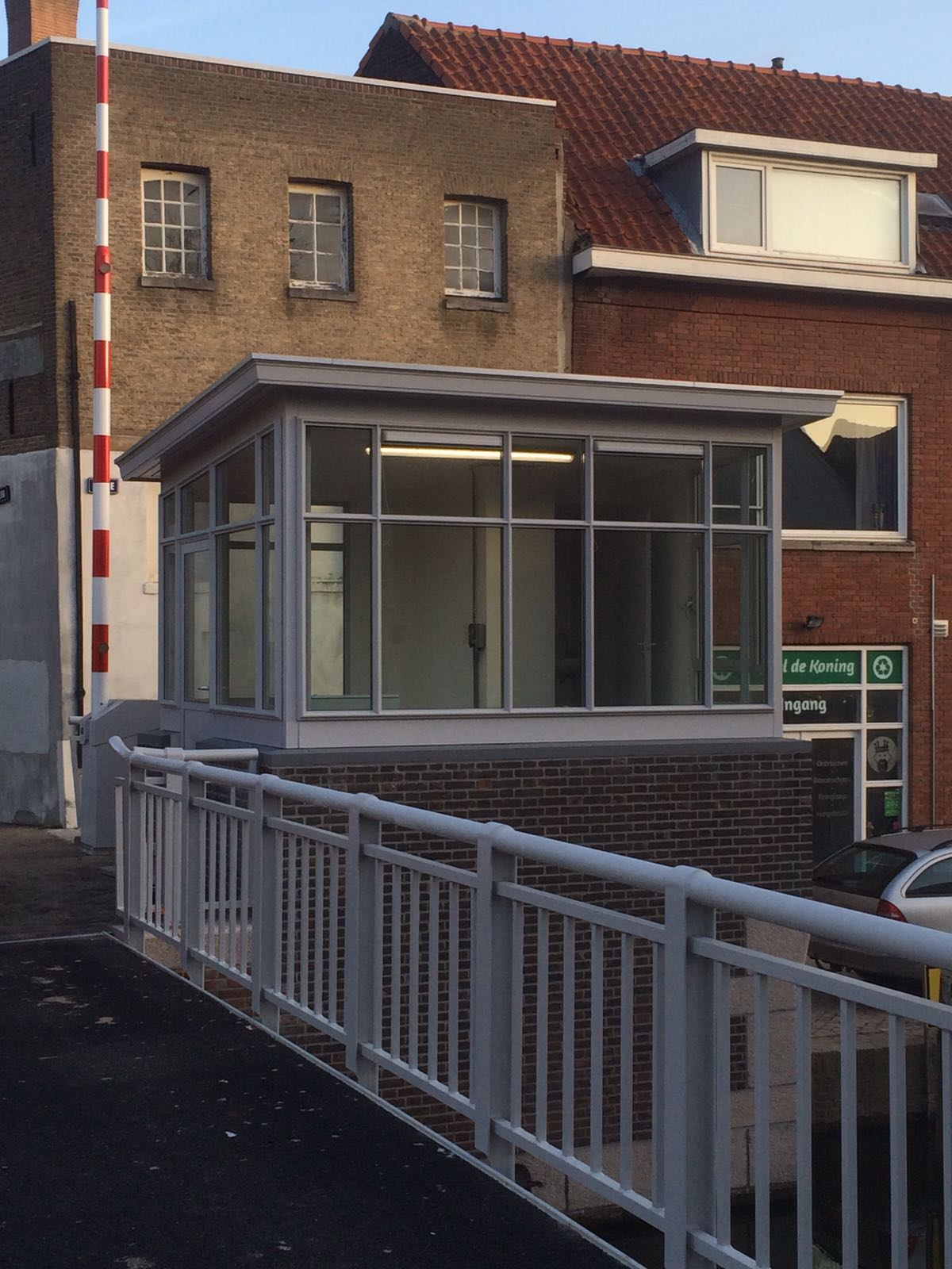Brugwachtershuisje Ooijevaarsbrug Schiedam